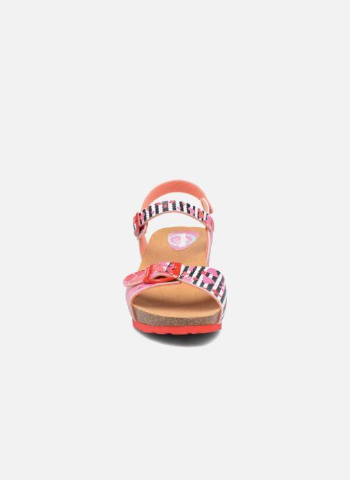 Sandali e scarpe aperte Desigual Strips Wedge Rosa modello indossato