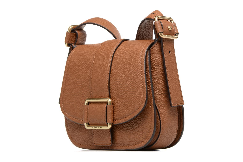 Handtaschen Michael Michael Kors MAXINE MD SADDLE BAG braun schuhe getragen