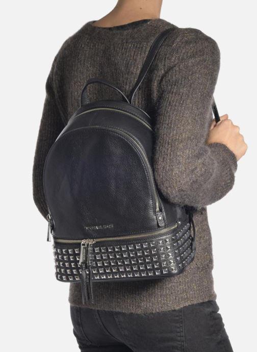 Sacs à dos Michael Michael Kors RHEA ZIP MD STUD BACKPACK Noir vue bas / vue portée sac