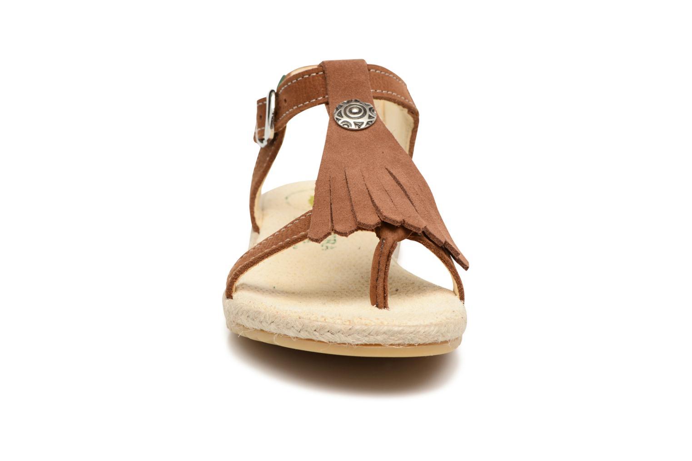 Sandalen El Naturalista Samoa E116 braun schuhe getragen