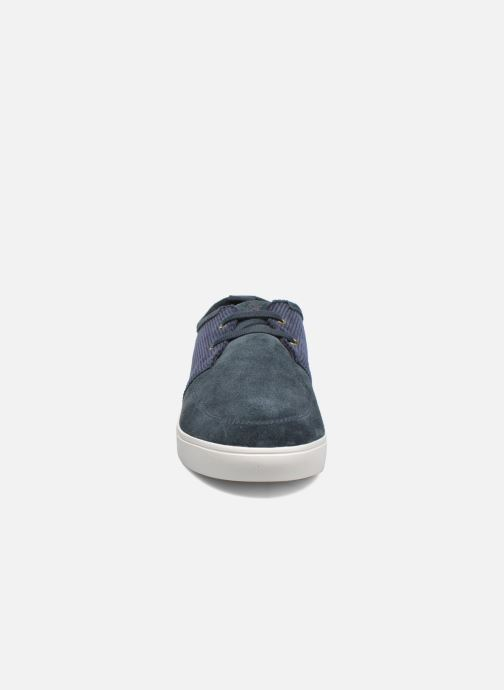 Baskets Fred Perry Shields Corduroy Suede Bleu vue portées chaussures