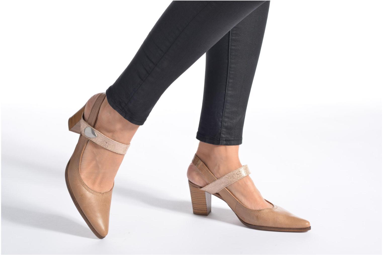 Zapatos de tacón Karston Kzoupi Beige vista de abajo