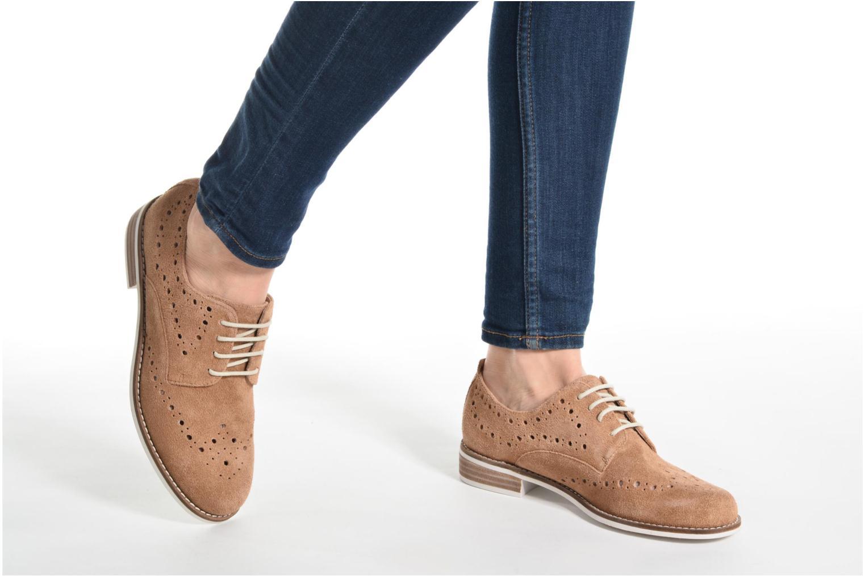 Chaussures à lacets Madison Aclina Marron vue bas / vue portée sac