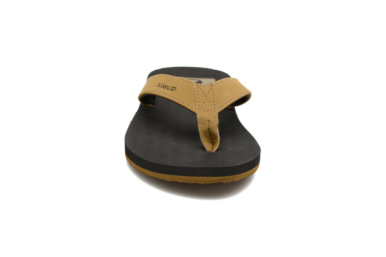 Tongs Quiksilver Molokai Laser G M Noir vue portées chaussures
