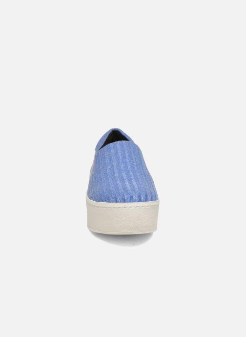 Sneakers Opening Ceremony Cici Ribbed Azzurro modello indossato