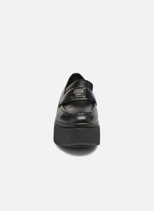 Loafers Opening Ceremony Morgaan Svart bild av skorna på