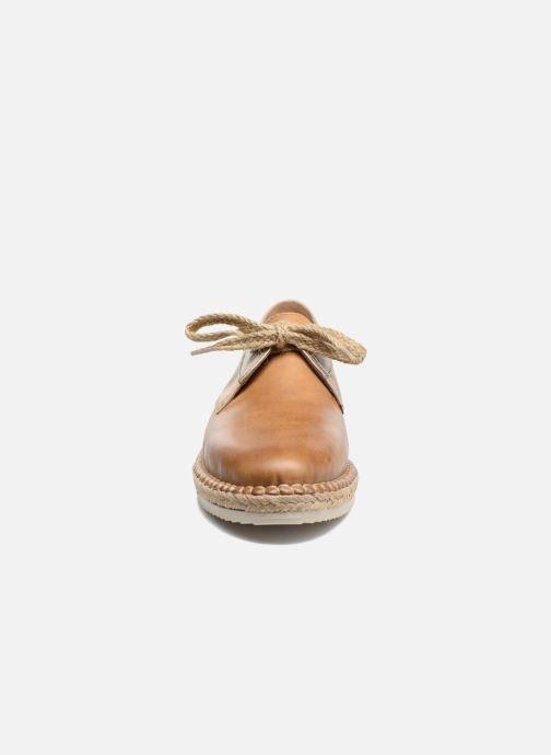 Schnürschuhe Pikolinos Cadamunt W3K-4604 braun schuhe getragen