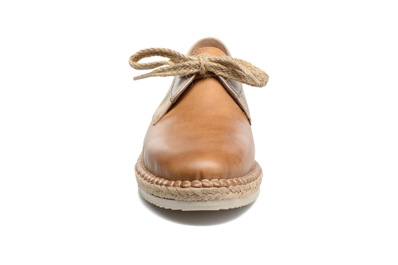 Zapatos con cordones Pikolinos Cadamunt W3K-4604 Marrón vista del modelo