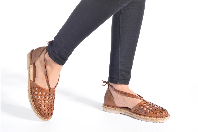 Zapatos con cordones Pikolinos Cadamunt W3K-3631 Marrón vista de abajo