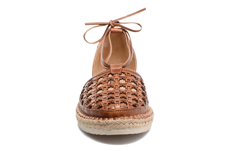 Zapatos con cordones Pikolinos Cadamunt W3K-3631 Marrón vista del modelo