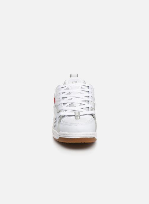 Baskets Globe CT-IV Classic Blanc vue portées chaussures