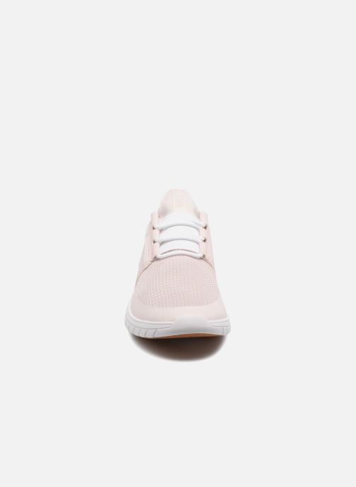 Sneakers Supra Flow Run Rosa modello indossato