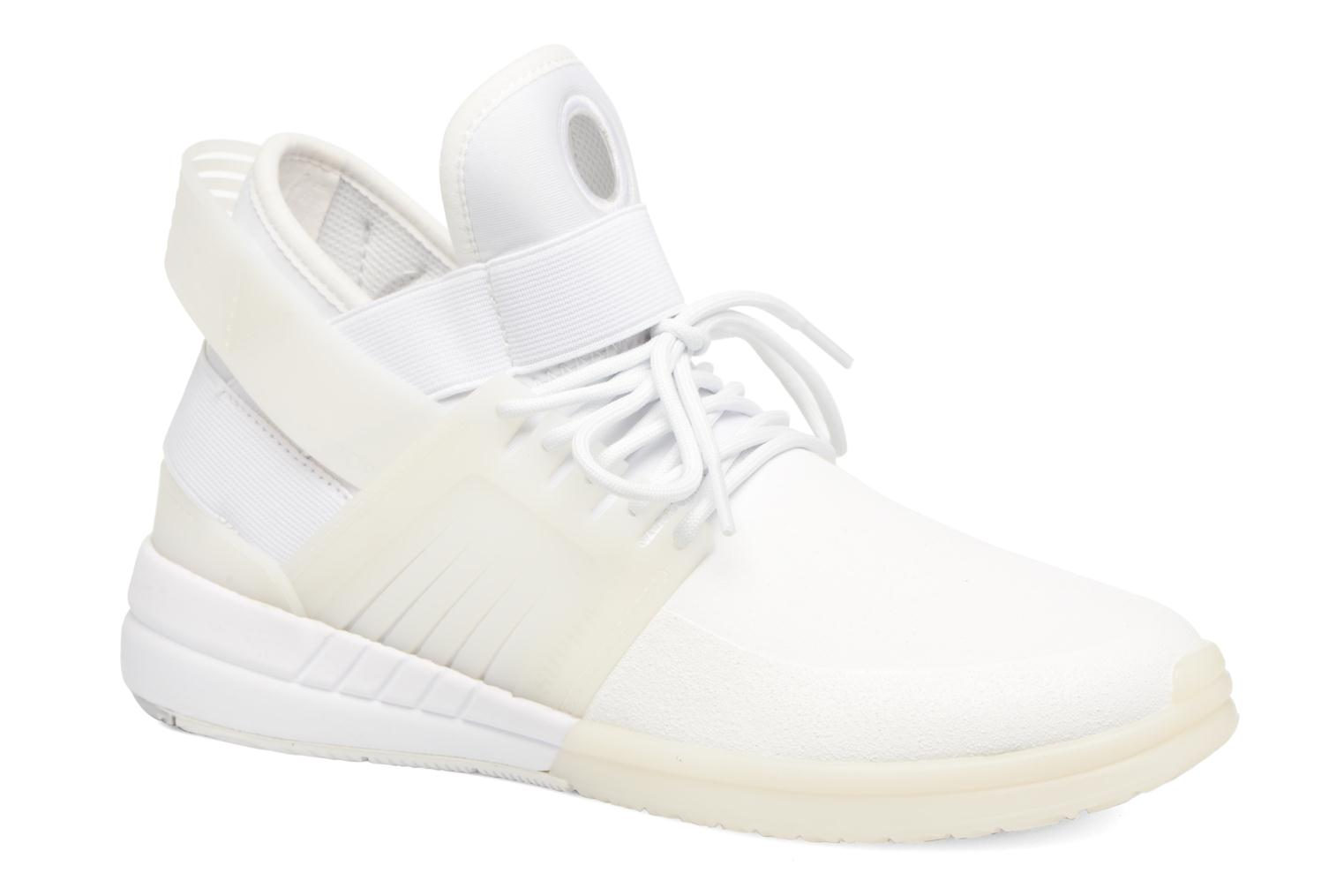 Sport shoes Supra Skytop V White detailed view/ Pair view