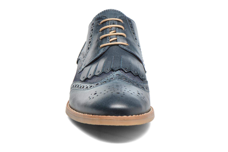 Zapatos con cordones Georgia Rose Nibule Azul vista del modelo