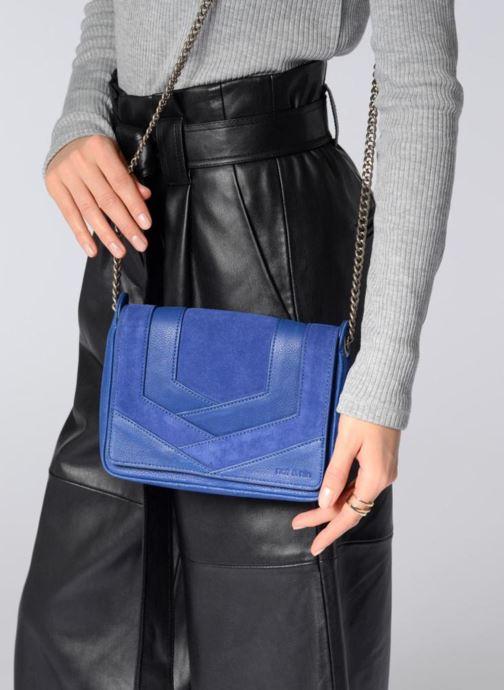 Clutch bags Nat & Nin Capri Black view from underneath / model view