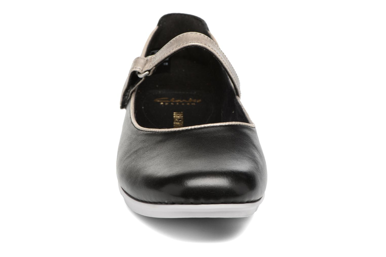 Ballerinas Clarks Tri Axis schwarz schuhe getragen