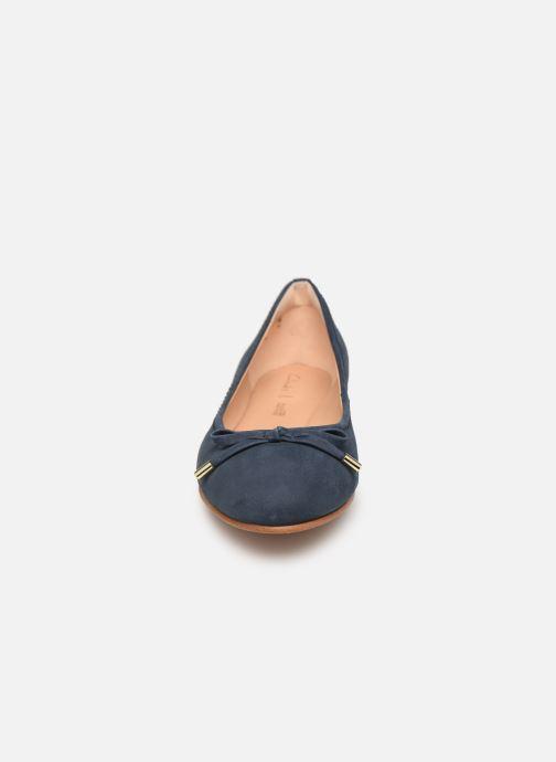 Ballerines Clarks Grace Lily Bleu vue portées chaussures