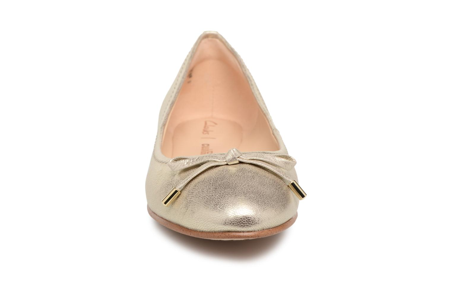 Ballet pumps Clarks Grace Lily Bronze and Gold model view