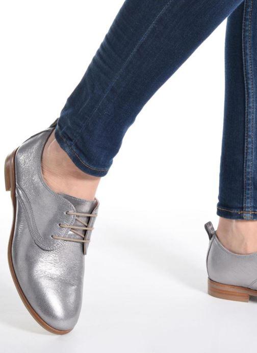 Scarpe con lacci Clarks Alania Posey Nero immagine dal basso