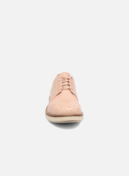Chaussures à lacets Clarks Glick Shine Rose vue portées chaussures