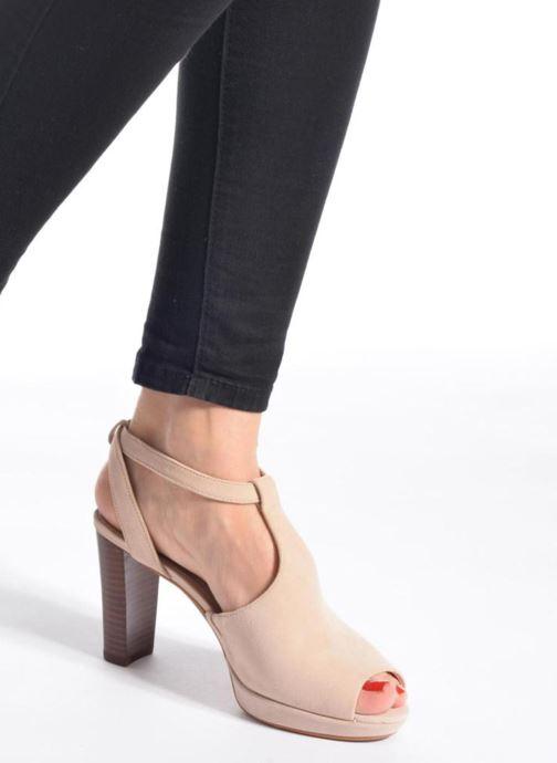 Zapatos de tacón Clarks Kendra Charm Rosa vista de abajo