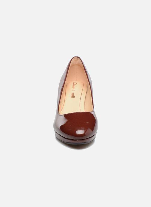 Escarpins Clarks Kelda Hope Marron vue portées chaussures