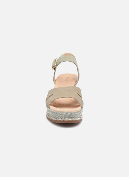 Sandales et nu-pieds Clarks Akilah Eden Vert vue portées chaussures