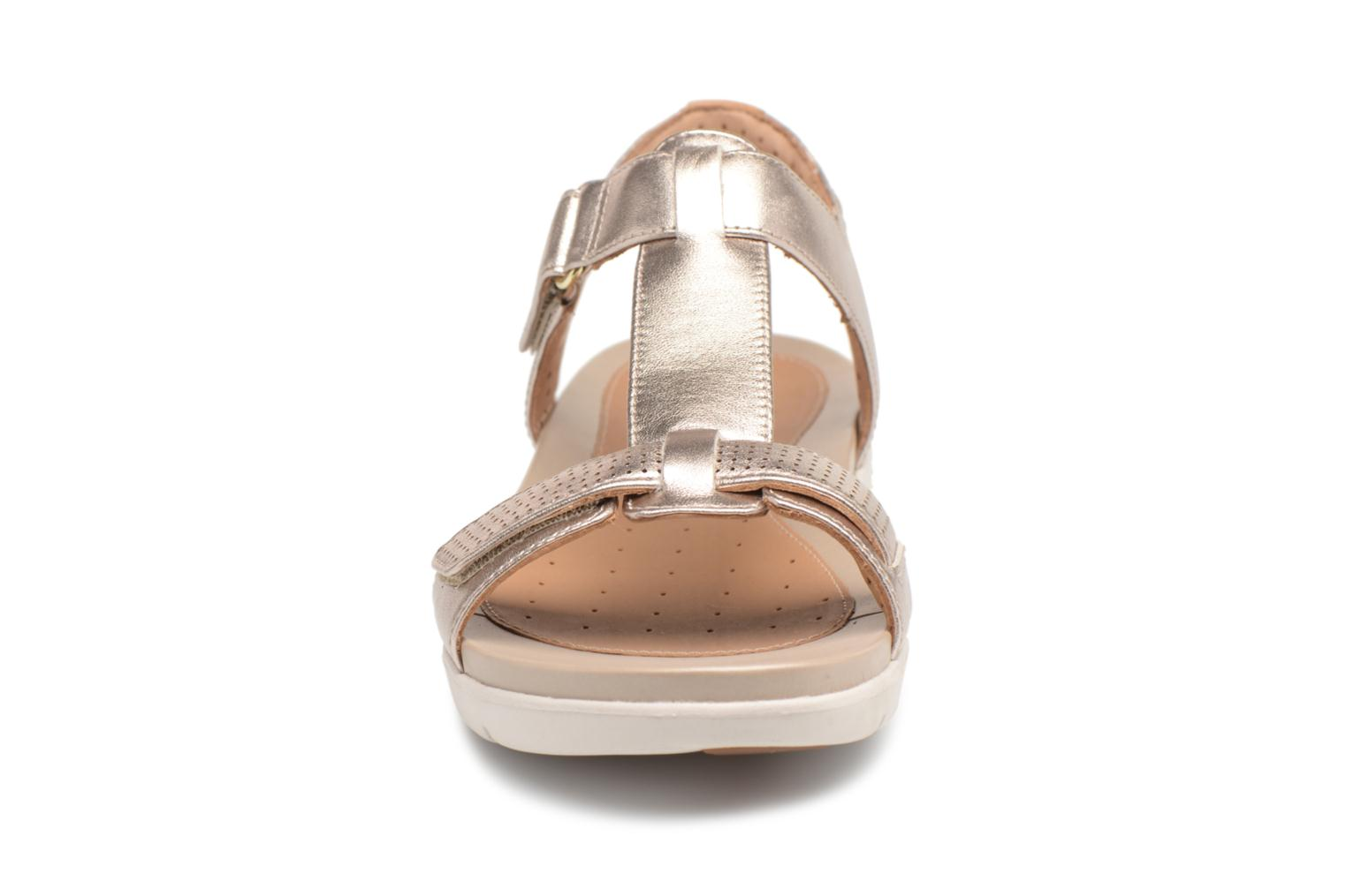 Sandals Clarks Unstructured Un Haywood Bronze and Gold model view