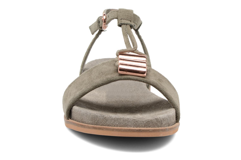 Sandales et nu-pieds Clarks Agean Cool Gris vue portées chaussures