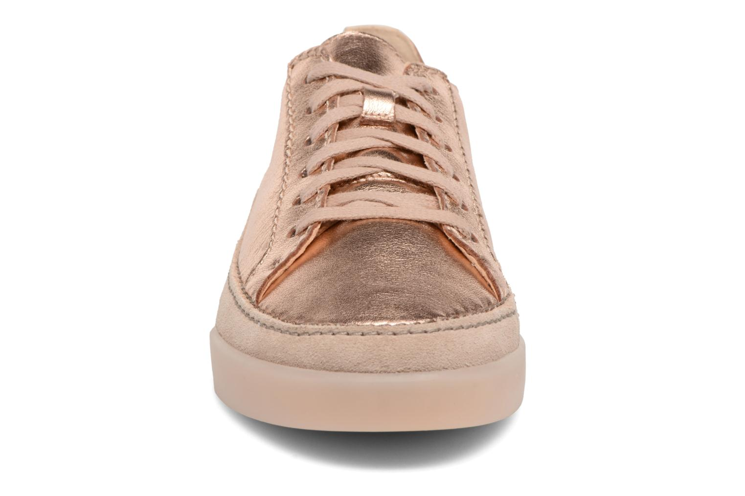 Trainers Clarks Hidi Holly Pink model view
