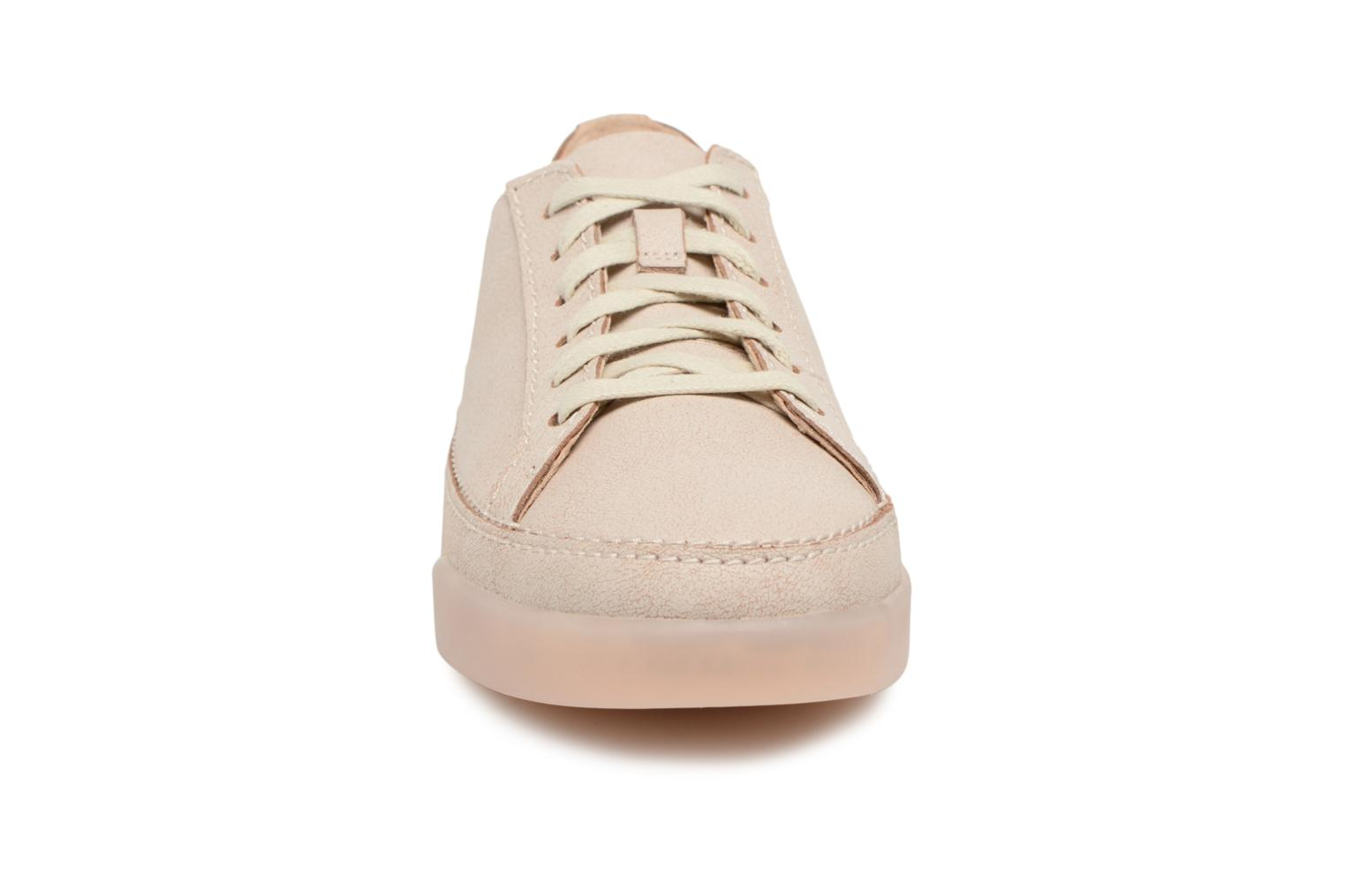 Trainers Clarks Hidi Holly Beige model view