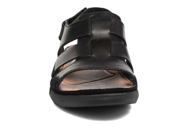 Sandales et nu-pieds Clarks Trisand Bay Noir vue portées chaussures