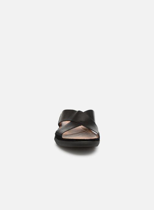 Sandales et nu-pieds Clarks Trisand Cross Noir vue portées chaussures