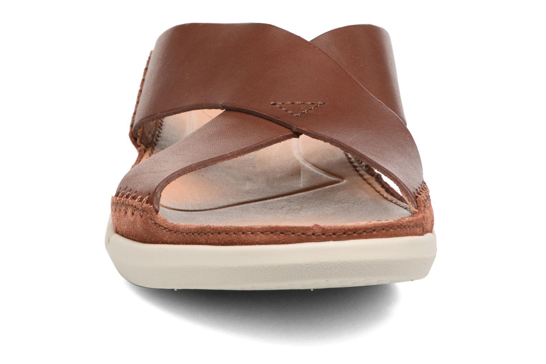 Sandales et nu-pieds Clarks Trisand Cross Marron vue portées chaussures