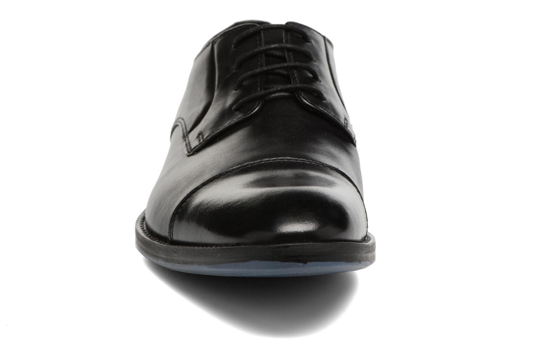 Zapatos con cordones Clarks Prangley Cap Negro vista del modelo