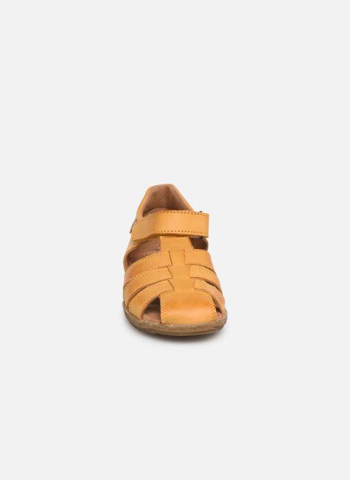 Sandales et nu-pieds Naturino See Jaune vue portées chaussures