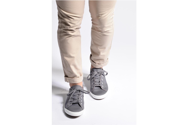 Sneaker I Love Shoes GOLCIN grau ansicht von unten / tasche getragen