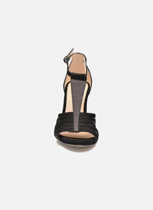 Sandalen Unisa Wamba schwarz schuhe getragen