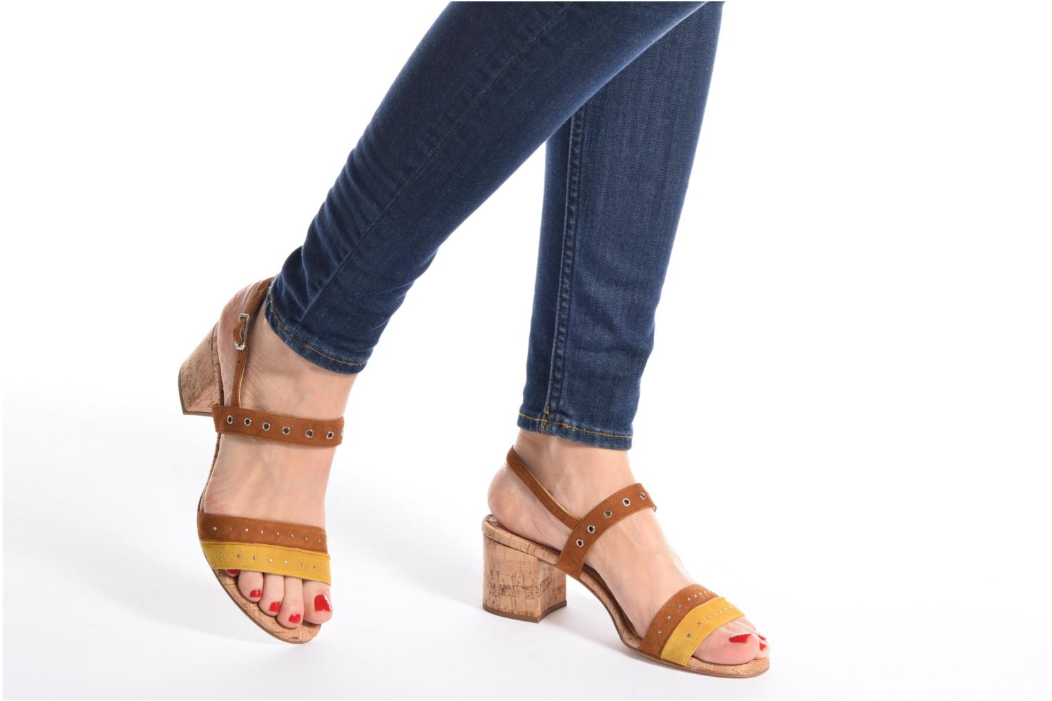 Sandals Unisa Osea Brown view from underneath / model view