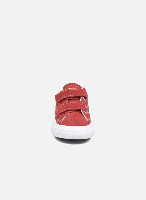 Baskets Converse Converse One Star 2V Ox Rouge vue portées chaussures