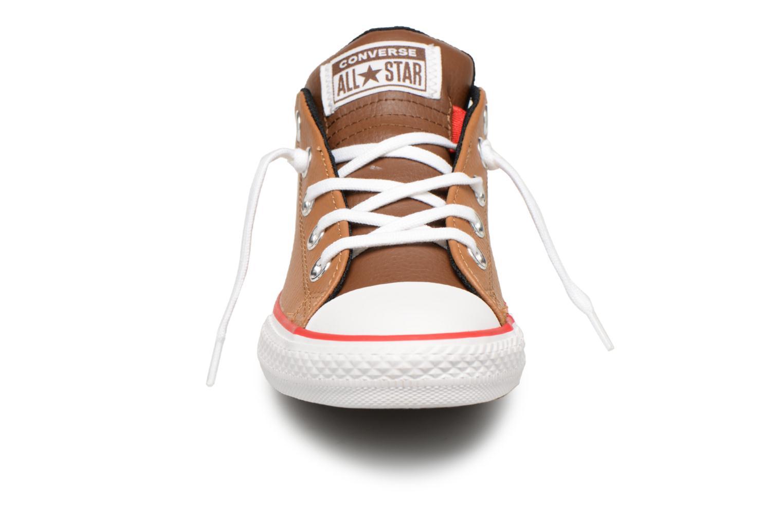 Baskets Converse Chuck Taylor All Star Street Slip Marron vue portées chaussures