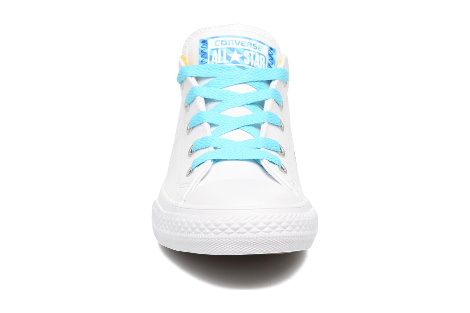 Baskets Converse Chuck Taylor All Star Madison Ox Blanc vue portées chaussures