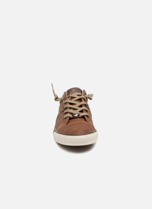 Baskets Mustang shoes Alwin Marron vue portées chaussures