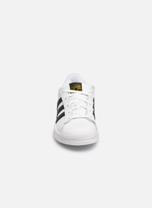 Deportivas adidas originals Superstar C Blanco vista del modelo