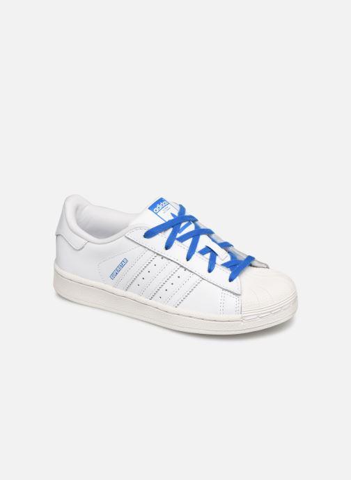 Baskets adidas originals Superstar C Blanc vue détail/paire