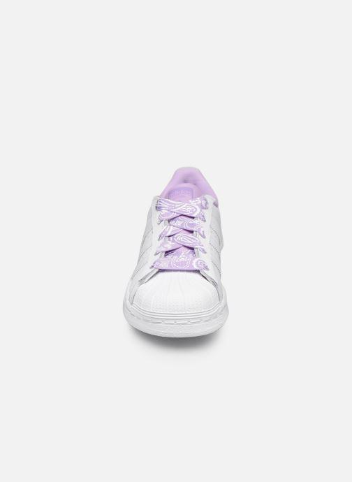 Trainers adidas originals Superstar C White model view