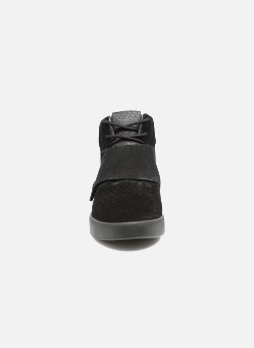Trainers Adidas Originals Tubular Invader Strap J Black model view