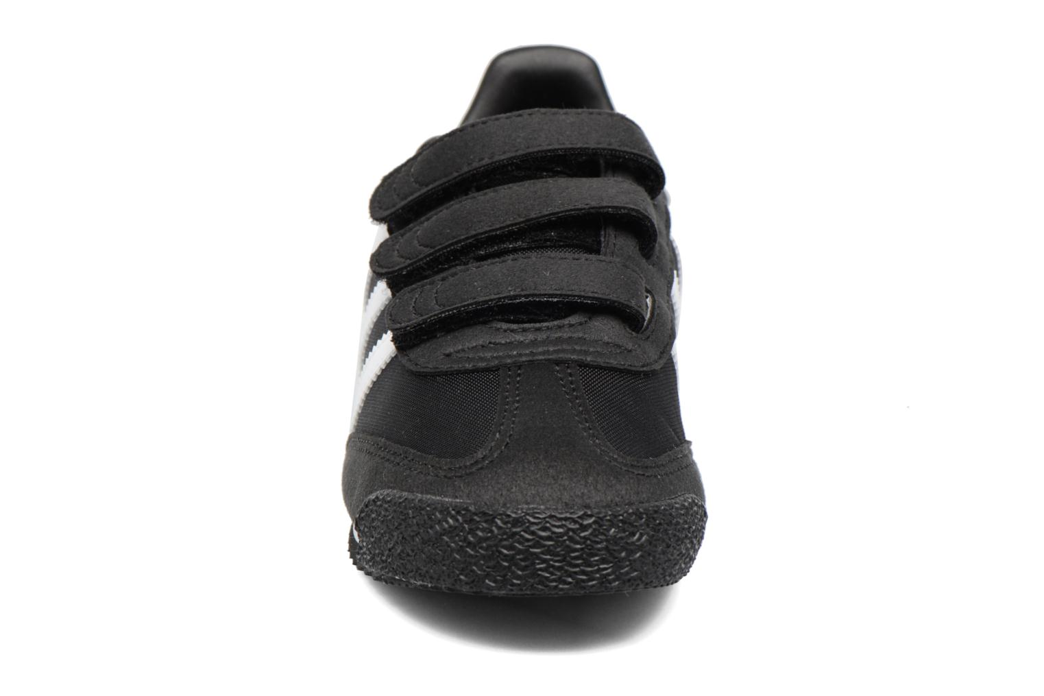 Sneakers Adidas Originals Dragon Og Cf C Nero modello indossato