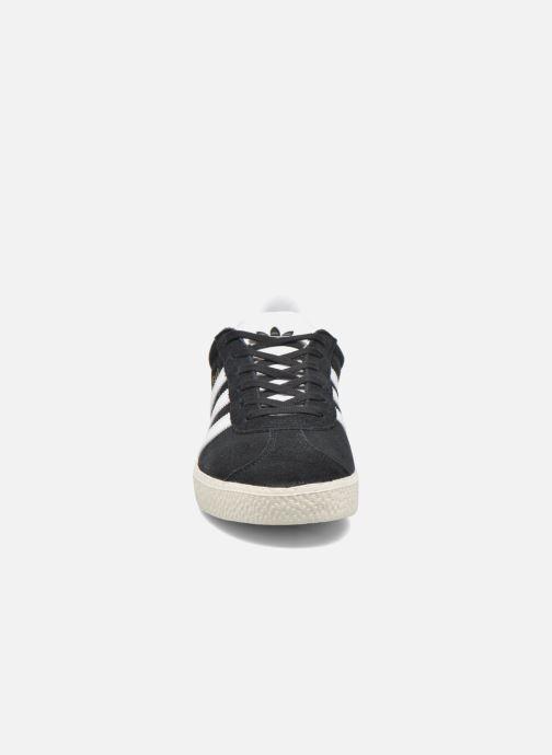 Trainers adidas originals Gazelle J Black model view