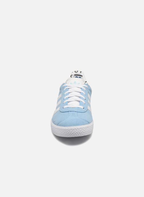 Sneaker adidas originals Gazelle J blau schuhe getragen